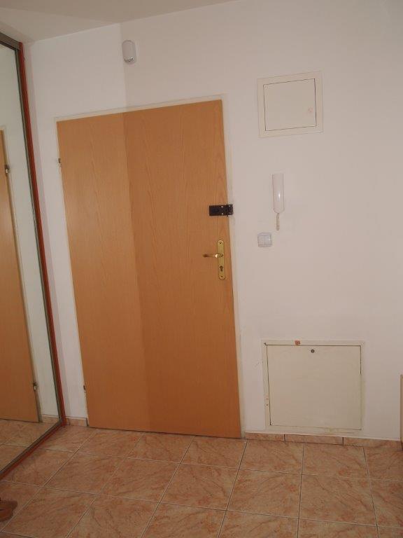 1 Bedroom Bedrooms,2 Rooms Rooms,1 BathroomBathrooms,Lokale,1070
